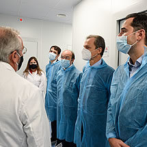 Pedro Duque, Minister of Science and Innovation and Ignacio Aguado, Vice President of the Madrid region, with Dr. Escribano, CSO of Algenex - October 24, 2020